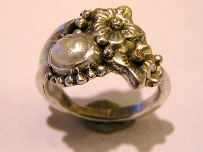 Pearl Ring with champagne diamonds