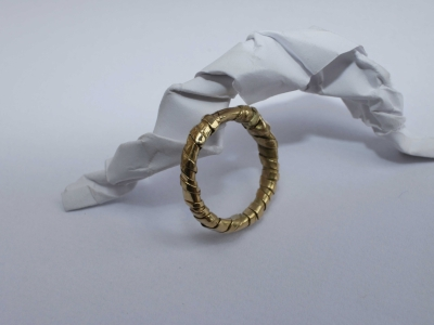 "18ct Gold ""Sweet Wrapper"" Ring"